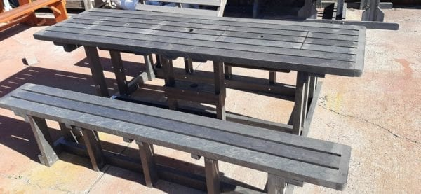 Entertainer recycled plastic bench